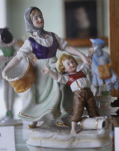 Невідомий завод. Німеччина Жінка з дитиною. ХХ ст.
