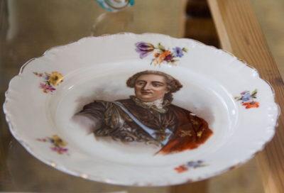 Мейсен. Німеччина Тарілка із зображенням короля Людовика ХV. ХІХ ст.