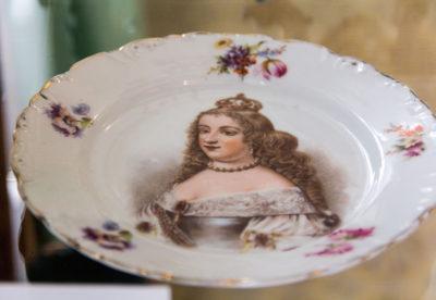 Мейсен. Німеччина Тарілка із зображенням королеви Луїзи. ХІХ ст.